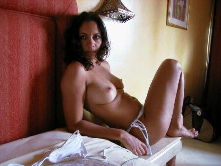 Lia, 25 cherche dialogue sympa et sexy
