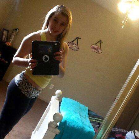Melody, 19 cherche une aventure suivie